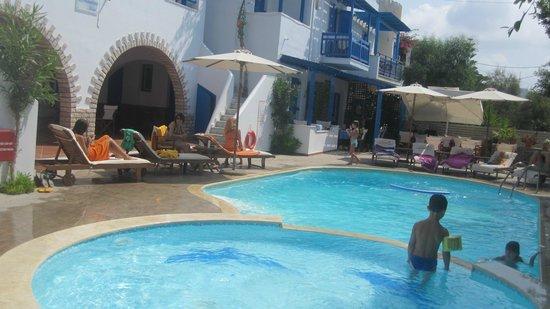 Dimitra Hotel: piscine