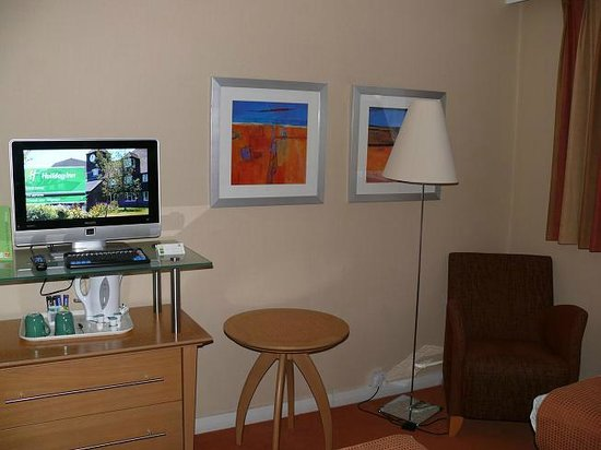 Holiday Inn Ashford North A20: Sitzgelegenheit