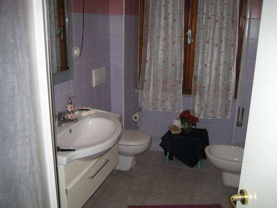 Hotel Manuela: SDB