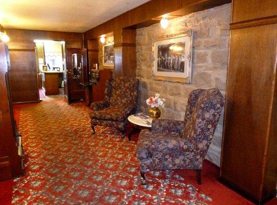 Buffalo Bill's Irma Hotel: Lobby