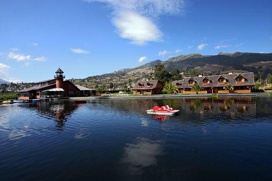 PuertoLago Country Inn : A orillas del lago San Pablo y rodeado de un paisaje sin igual