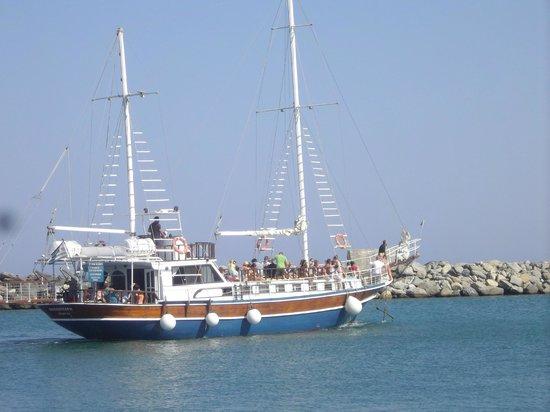 Agrelli Hotel: boat trips .........