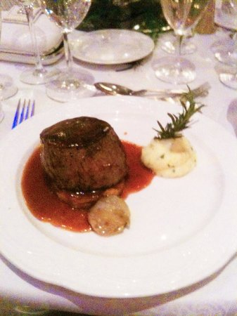 The Keadeen Hotel: Mains: Fillet of Beef (rare)