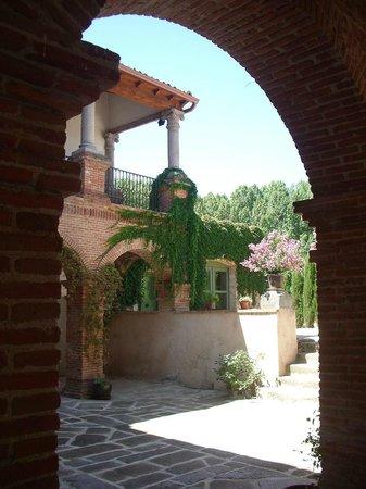 Palacio de Hoyuelos: patio