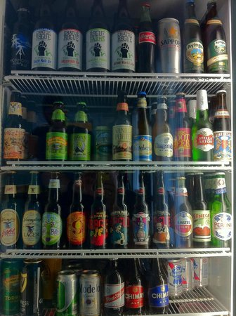 Lola's Pizza: Hand-picked craft beer selection