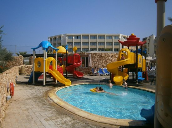 db Seabank Resort + Spa: kids pool near to kids club