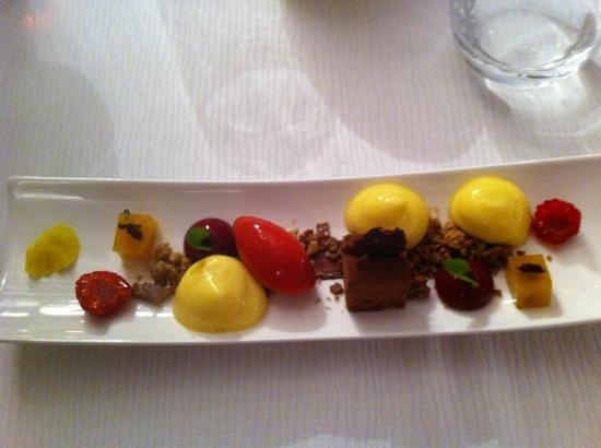 Pierre Reboul : another dessert course with chocolate and fruit sorbets