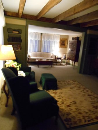 1810 House Bed & Breakfast: The living room is full of history