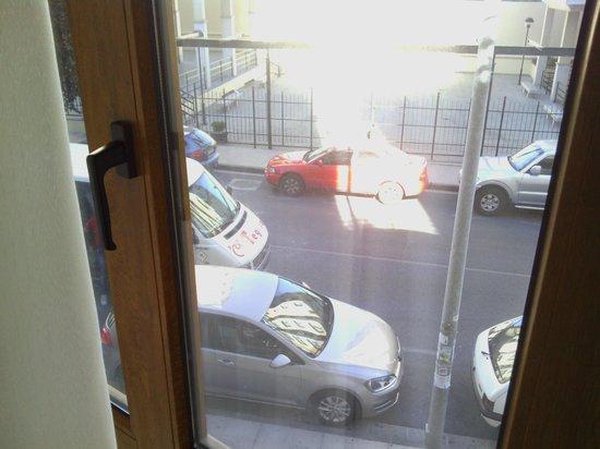 Hostal Brios: vista de la calle