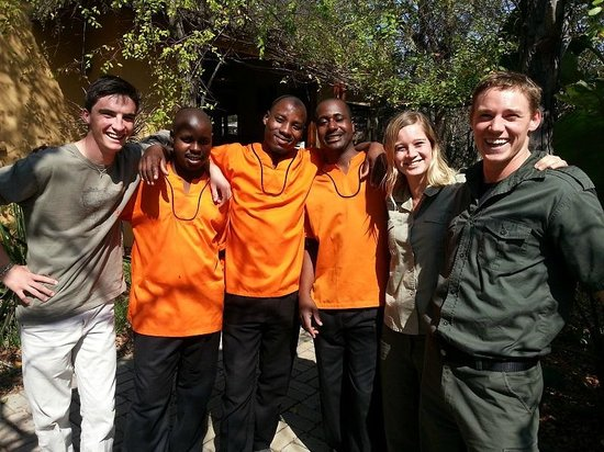 Toro Yaka Bush Lodge: Some of the wonderful Toro Yaka team members