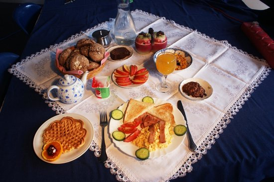 42b College House: Breakfast
