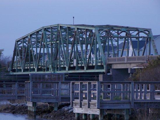 Soundside Park: Swing Bridge from the park