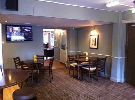The Cross Keys, Fulstow: Front bar area