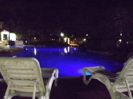 Grande Florida Beachside Resort: The pool lights up at night