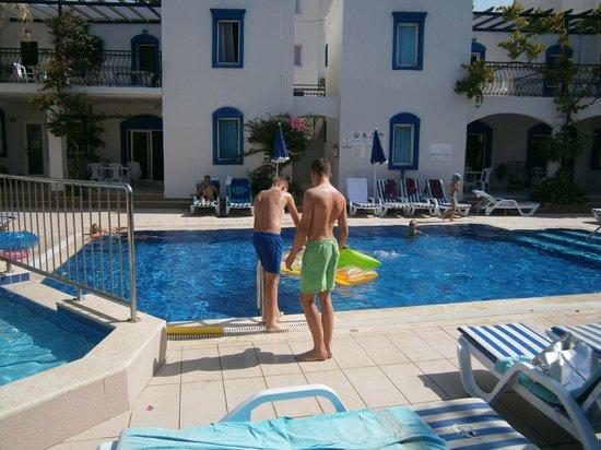 Club Paloma Apartments: Kids