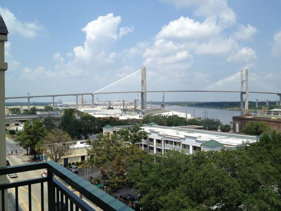 Hilton Garden Inn Savannah Historic District: 6th Floor looking West