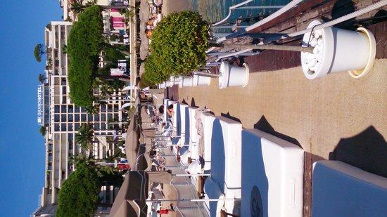 Le Grand Hotel: pontoon