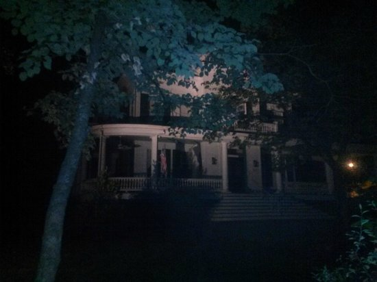 Williams Ghost Walks of Georgetown: Another Creepy House