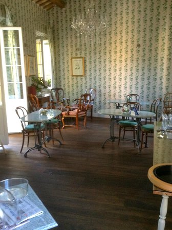M club De Luxe B&B : Breakfast salon
