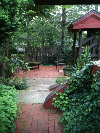 Briggs Pond : Zen Corner