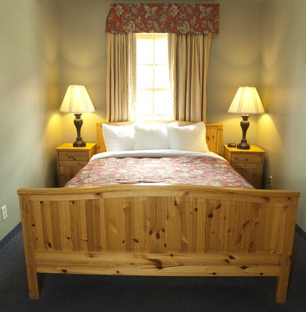 Old Town Inn: Second queen bed in the suite