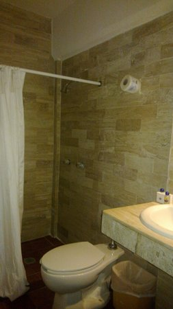 Hotel Plaza Cozumel: Baño