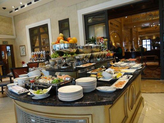 Peermont D'oreale Grande at Emperors Palace: Café da manhã