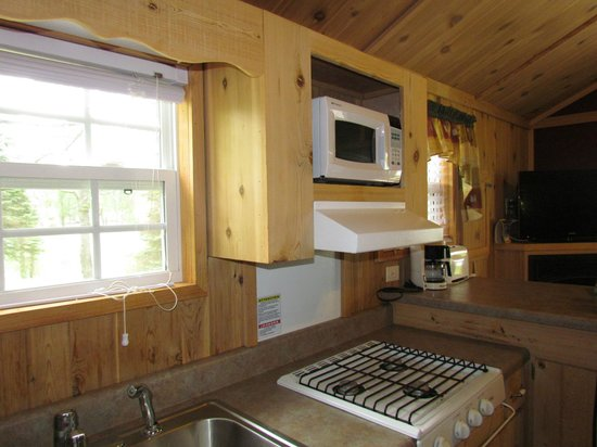 Lakeside Cabin Kitchen Picture Of Darien Lake Amusement