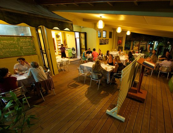 Ocean King Cafe & Restaurant: Alfresco dining
