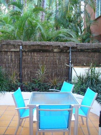 BeachView Apartments at Villa Paradiso: courtyard