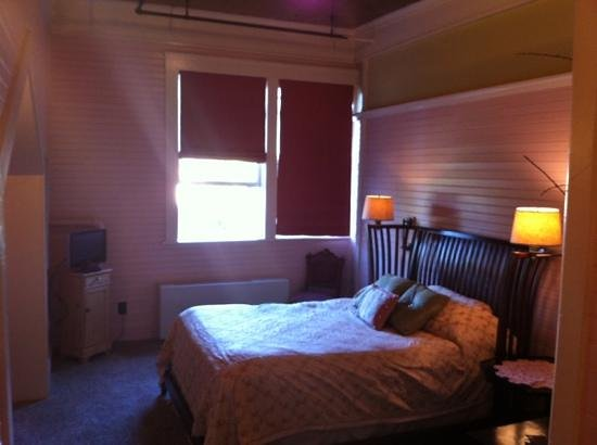 McCloud Mercantile Hotel: Hot & Tot Room