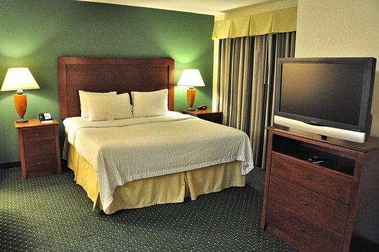 Residence Inn Temple: The king bed was very comfortable.