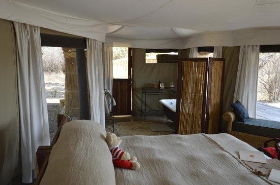 Mchenja Bush Camp - Norman Carr Safaris: What a room!