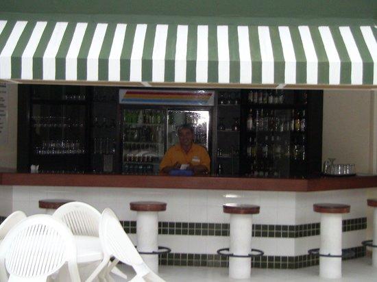 Hotel Petén Espléndido: Drink anyone?