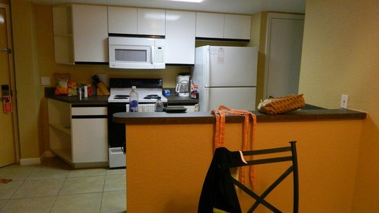 Westgate Towers Resort : Well equipped kitchen