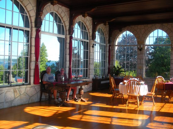 Singer Castle on Dark Island: tearoom