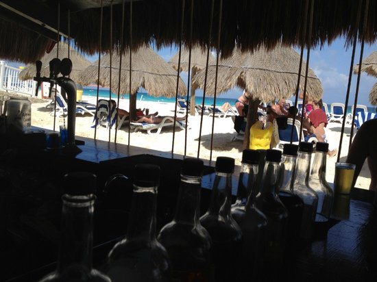 Golden Parnassus Resort & Spa: Looking out from Fins Up beach bar.