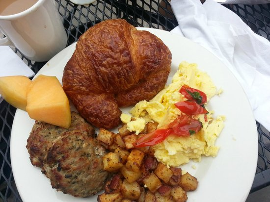Farm Kitchen: Fresh Basil & Tomato Egg Scramble, Roasted Potatoes, Rosemary Apple Sausage, Croissant & Fruit