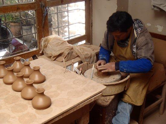 Ceramicas Seminario: Creating the pottery