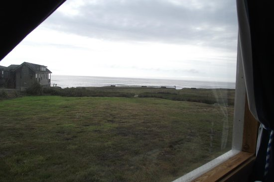The Beachcomber Cottages : view out the window