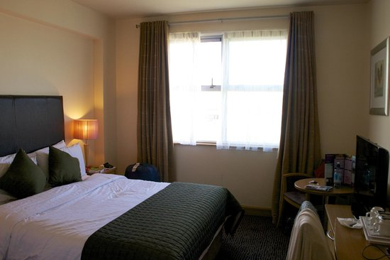 Harbour Hotel Galway: Double Room (Double Bed in View, Twin Out of View)
