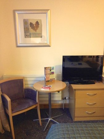 Harbour Hotel Galway: Double Room - Table & TV Area