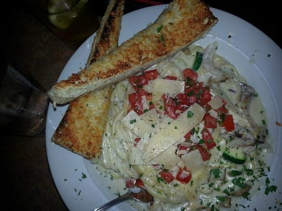 Amy's On The Bay: Grilled Chicken Alfredo Sliced chicken breast, red onion & mushrooms tossed with our roasted gar