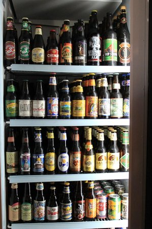 Upper Deck Ale & Sports Grille : Craft Beers