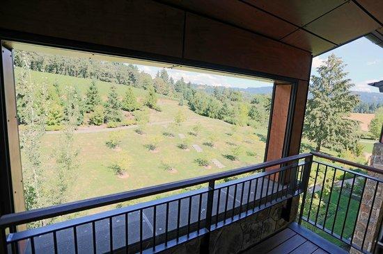 Allison Inn & Spa: Covered porch