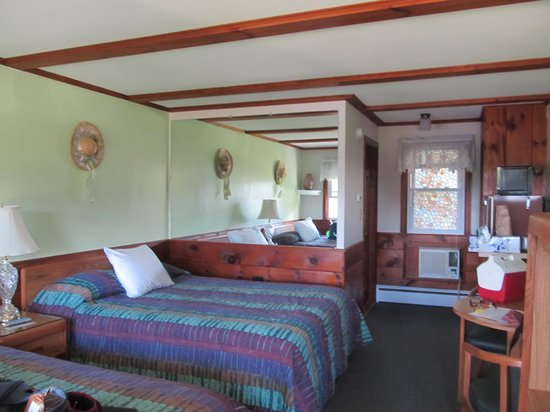 Bay Top Motel : our room 9