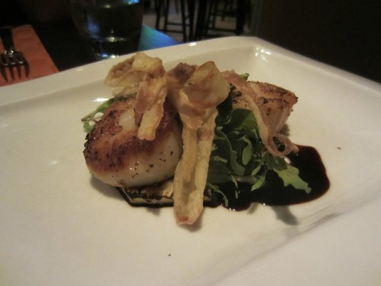 Moro: seared scallops