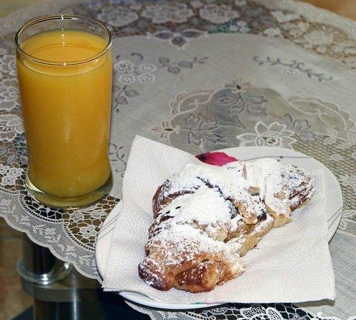Samui Délice: Almond Croissants sind sehr zu empfehlen
