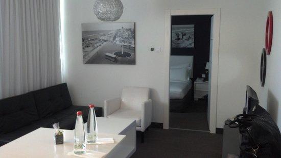 Alexander Tel-Aviv Hotel: living area