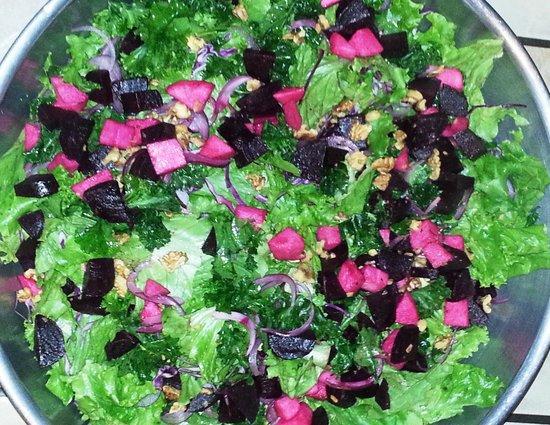 Cathedral Lakes Lodge: Fabulous fresh local salad
